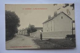 COURSON-la Nouvelle Gendarmerie-(mauvais Etat Car Petits Manques Coin Haut Droit) - Courson-les-Carrières