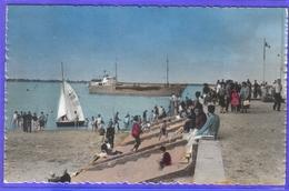 Carte Postale 80. Saint-Valéry-sur-Somme  Cargo Rentrant Au Port   Très Beau Plan - Saint Valery Sur Somme