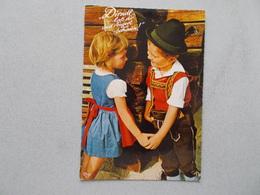 AUTRICHE OSTERREICH  COUPLE D ENFANTS EN HABITS - Austria