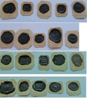Lot De 20 Empreintes De Cachet En Cire Noire Sur Carton Léger (prix Port Compris En Suivi) - Autres Collections
