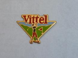Pin's VITTEL, GOLFEUR - Golf