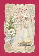 IMAGE PIEUSE/ CANIVET/ DENTELLE Avec CHROMO De COMMUNIANTE Et FLEURS De LYS..Souvenir De Première Communion..2 Scans - Devotion Images