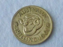RARE !  1961 AUSTRALIA Shilling Elizabeth II Coin (WC # -25 ) - Australia