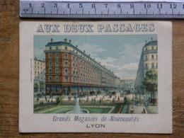 Chromo Carte Publicitaire Commerciale - Aux Deux Passages - Grands Magasins De Nouveautés LYON - Lyon