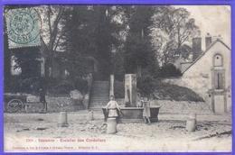 Carte Postale 51. Sézanne  Escaliers Des Cordeliers Et La Fontaine  Très Beau Plan - Sezanne