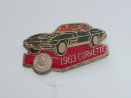 Pin's VOITURE 446, CORVETTE 1963 - Pins