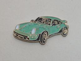 Pin's VOITURE 465, PORSCHE 911 Bleu-vert - Porsche