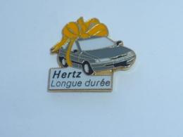 Pin's VOITURE 472, CREDIT HERTZ LONGUE DUREE - Pins