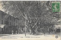 Valréas (Vaucluse) Cours Du Bertheuil, Sous Les Platanes - Edition C. Artige, Carte M.T.I.L. N° 2189 - Valreas
