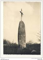 Carte ( Format 10,5 X 15 Cm ) DOL DE BRETAGNE Menhir ( Recto Verso ) - Dol De Bretagne