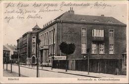 ! Alte Ansichtskarte Bitterfeld, Moltkestraße, Ortskrankenkasse, 1931 - Bitterfeld