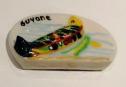 GUYANE FRANCAISE PIROGUE AMERINDIENNE RARE - Région