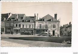 Carte  De Lorris  Place Du Martroi Hôtel Du Sauvage ( Boucherie Chevaline ) ( Format C.P.A ) ( Recto Verso ) - Francia