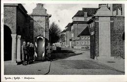 ! Alte Ansichtskarte Heide In Schleswig-Holstein , Kaserne, 1936, Militaria - Heide