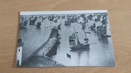 Photo Bateau - Carte Postale -  DEPART DE LA CARAVANE A CANCALE - Aviation Commerciale