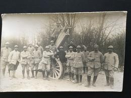 CPA Carte Photo Du 15 Avril 1916 Groupe De Sous-officiers Autour D'un Canon - Guerre 1914-18