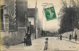 CHEVILLY   LARUE   Grande Route (animation)      CARTE RARE - Chevilly Larue