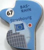 MAGNE BAS-RHIN STRASBOURG N° 67 - Magnets
