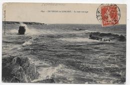 ENVIRONS DE LORIENT EN 1907 - N° 1841 - LA MER SAUVAGE - BEAU CACHET - ANGLE HAUT A GAUCHE ABIME - CPA VOYAGEE - Lorient