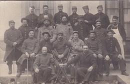 Groupe De Soldats Dans Un Hôpital à Bourgoin (38) Dont RI 14 39 60 72 88 109 152 172 222 + Chasseurs 68 - Carte Photo - Régiments