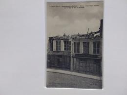 BERGUES MAISONS A 2 ETAGES EVENTREES PAR UN OBUS DE 380 RUE NATIONALE GUERRE 1914 15 - Bergues