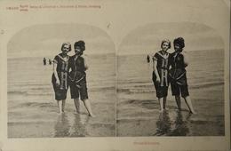 Stereo - AK // Strand - Beach Fun / Strandblumen Ca 189? - Postcards