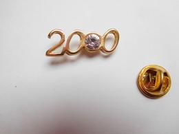 Superbe Pin's En Relief , Année 2000 , Avec Brillant Incrusté - Pin's & Anstecknadeln
