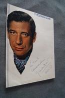 Rare Autographes De Yves Montand,hivers 1967,acteur Chanteur ,22 Cm. Sur 18 Cm. - Autografi
