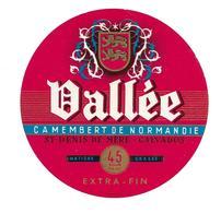 ETIQUETTE De FROMAGE. CAMEMBERT De NORMANDIE.. VALLEE...St DENIS De MERE (Calvados 14) - Cheese
