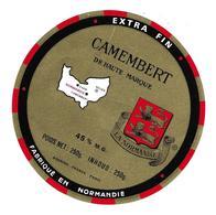 ETIQUETTE De FROMAGE. CAMEMBERT Fabriqué En NORMANDIE..La Normandie - Cheese