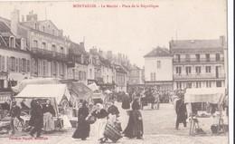 Montargis : Le Marché - Place De La République - Montargis