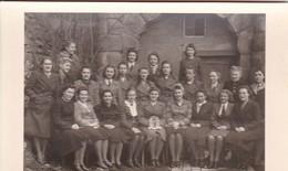 AK Foto Gruppe Frauen - Luftwaffenhelferin Sanitäter - 2. WK  (48103) - Guerre 1939-45