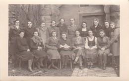 AK Foto Gruppe Frauen - Uniform Luftwaffenhelferin - Handarbeiten - 2. WK  (48107) - Guerre 1939-45