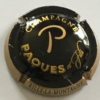 263 - Capsule De Champagne - Paques Et Fils, Rilly-la-Montagne (Noir Et Or) Premier Cru - Otros