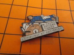 912B Pin's Pins / Beau Et Rare / THEME : MARQUES / L'EMOULEUR ET SON CHIEN A FAURE ARTISAN THIERS - Markennamen