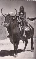 TCHAD : FORT LAMY.CPSM F.F. ANNEES 60..BOEUF PORTEUR.FEMME ET ENFANT.B.ETAT.PEU COURANTE PETIT PRIX COMPAREZ!! - Tchad