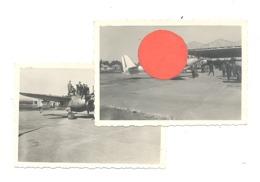 Lot De 2 Photos ( +/- 6 X 9 Cm) Visite D'une Base Aérienne, Exposition, Avion, Meeting ?? 1945...50 ? A SITUER (b274) - Oorlog, Militair