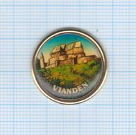 Pin's Château De Vianden – Luxembourg - Villes