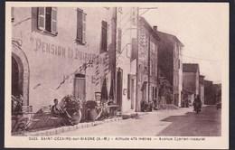 SAINT CEZAIRE SUR SIAGNE ( 06 - Alpes Maritimes ) - Avenue Cyprien Issaurat ( Rue Animée Personnes Voiture ) - TTB Etat - Andere Gemeenten
