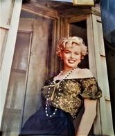 Rare Grande Affiche Marylin Monroe  En Deux Partie 210 X 86 En Totalité - Posters