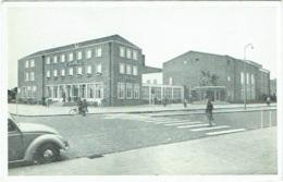 "Emmeloord. Hotel-Café-Restaurant ""'T Voorhuys"". Volkswagen Coccinelle. - Emmeloord"
