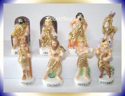 Grèce Antique Drappée D'or ...Série De 8 Fèves... Ref AFF :35-2003 ...(pan 005) - Personnages