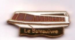 X198 Pin's Vedette Le Bateau Ivre Nom D'un Poème D'Arthur Rimbaud - Le Vagabond Des étoiles Qualité Egf Achat Immédiat - Boats