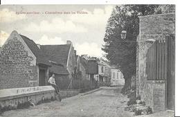 AUVERS SUR OISE   CHAUMIERES DANS LES VALLEES   HOMME ASSIS SUR MUR  DEPT 95 - Auvers Sur Oise