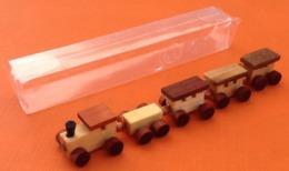 Train Miniature En Bois  Longueur : 115mm  Hauteur : 18mm - Toy Memorabilia