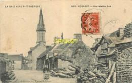 22 Gouarec, Une Vieille Rue, Femme Avec Brouette... - Gouarec