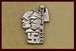 Pq1 Mussolini Distintivi Fascismo Berlin Roma Pin Spilla Pin's Moderno Benito - Armee