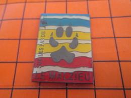 920 Pin's Pins / Beau Et Rare / THEME : VILLES / LE MAIZIEU TRACE DE PATTE DE LOUP SUR LES PAS DE LA BETE - Cities