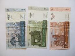 Madagascar: 3 Billets 100, 200 & 500 Ariary 2004 - Madagascar
