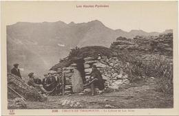 D 65   CIRQUE De TROUMOUSE   La Cabane (Animee) - Andere Gemeenten